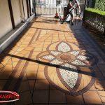 Почистване градински плочки